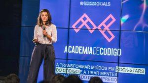 Diana Nunes durante a apresentação do projeto