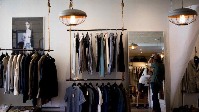 O que deve ter em conta antes de abrir uma loja de roupas