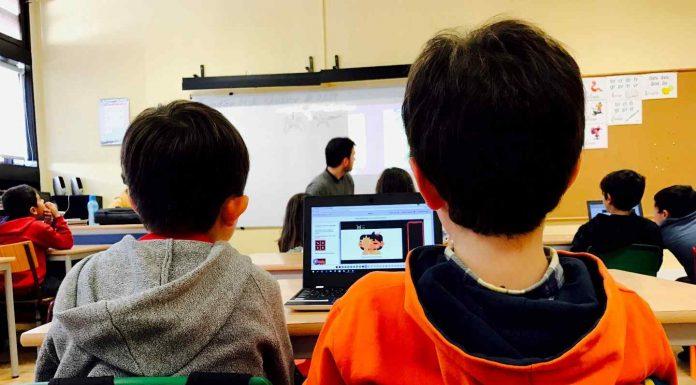 Academia de Código_Júnior abre vagas gratuitas para as escolas poderem ensinar a programar.