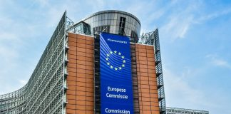 União Europeia debate politicas de comércio com empreendedores