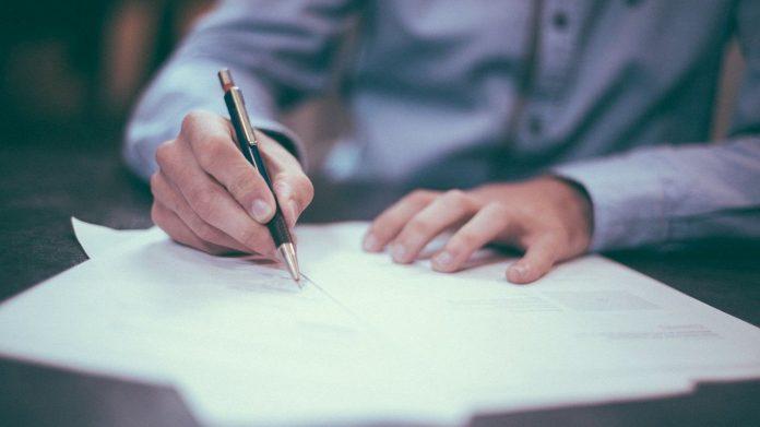 escrevendo carta de apresentação