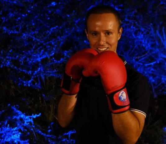 André Jordão com as luvas de boxe, símbolo do prémio