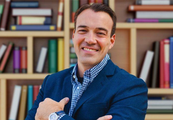 """Fábio Rodrigues, autor do livro """"Na Dúvida, Não Empreenda!"""""""